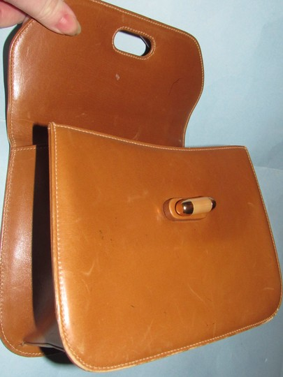 Gucci Early Mod Kelly Style Multiple Compartment Mint Vintage Uses Bakelite/Lucite Satchel in caramel leather with tortoise shell Lucite/Bakelite and gold accents Image 2