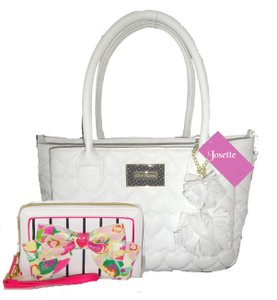 Betsey Johnson Quilted Hearts Fabric Pom Poms Satchel/Xbody Wallet Satchel in white