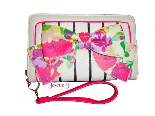 Betsey Johnson Quilted Hearts Fabric Pom Poms Satchel/Xbody Wallet Satchel in white Image 7