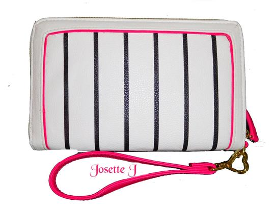 Betsey Johnson Quilted Hearts Fabric Pom Poms Satchel/Xbody Wallet Satchel in white Image 8