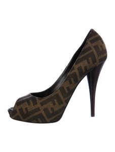 Fendi Zucca Canvas Brown Pumps