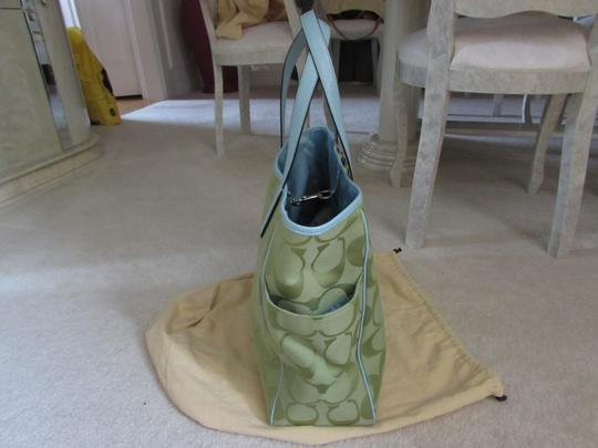 Coach Tote in Green Image 7