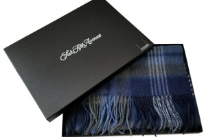 Saks Fifth Avenue NEW boxed 100% Cashmere Wool Fringe Soft Scarf Exploded Plaid Scarf