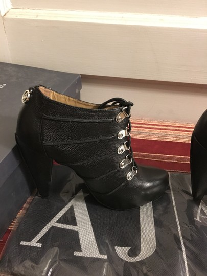 Armani Jeans European Made In Italy Pebble Leather Heels Black Boots Image 2