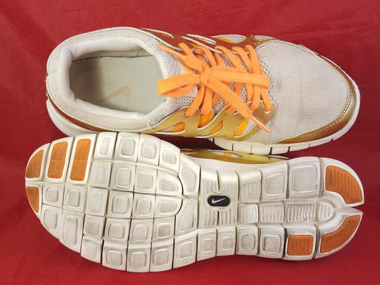 Nike gold and beige Athletic Image 6