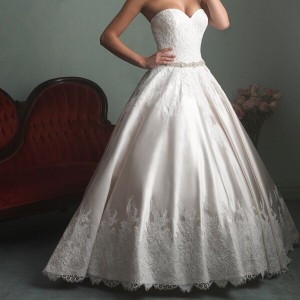 Allure Bridals Ivory Satin and Lace Tulle Gown Feminine Wedding Dress Size 16 (XL, Plus 0x)