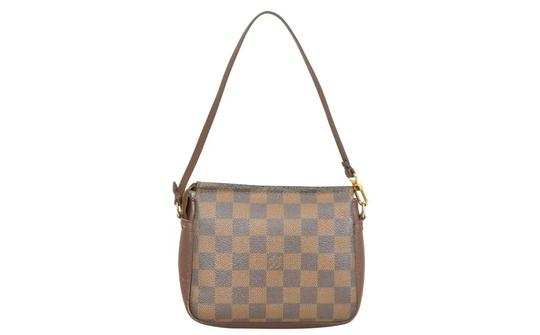 Preload https://img-static.tradesy.com/item/22879915/louis-vuitton-damier-ebene-pochette-trousse-truth-cosmetic-bag-0-12-540-540.jpg