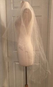 J.Crew Ivory Medium Twigs and Honey For Single Layer Fingertip C4061 Bridal Veil