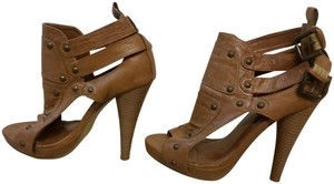 Yoki High Heel Buckles Tan Sandals