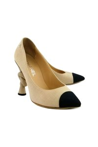 Chanel Tie The Knot Beige Pumps