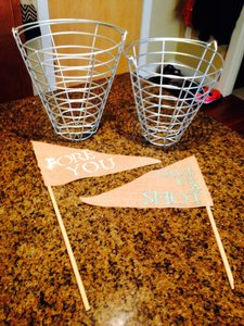 Golf Ball Party Favor Baskets And Signs
