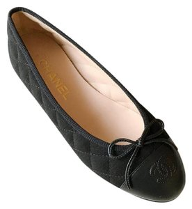 Chanel Quilted Quilted Ballet Size 37 Black Flats