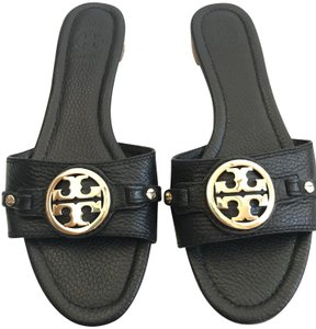 Tory Burch Medallion Pebbled Leather Gold Hardware Logo black Sandals