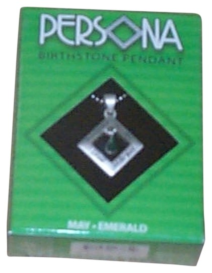 Preload https://img-static.tradesy.com/item/2289176/emerald-green-may-birthstone-silver-pendant-retired-2009-design-new-in-the-box-necklace-0-0-540-540.jpg