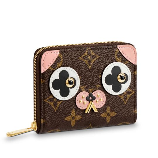 Preload https://img-static.tradesy.com/item/22892998/louis-vuitton-brown-new-2018-limited-valentine-s-day-zippy-coin-pouch-doggie-monogram-canvas-purses-0-0-540-540.jpg