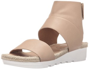 ee9705402a6 Beige Eileen Fisher Sandals - Up to 90% off at Tradesy