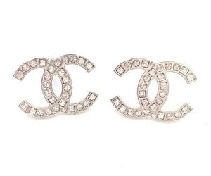 f3e69fcf7a61 Clothing Bags Accessories Up To 90 Off Tradesy Chanel Pearl Earringschanel  Pearlschanel Jewelrycoco. Coco Chanel Earrings Got These Love Random