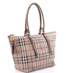 Burberry Canterbury House Check Check Print Shoulder Handle Tote in Gold