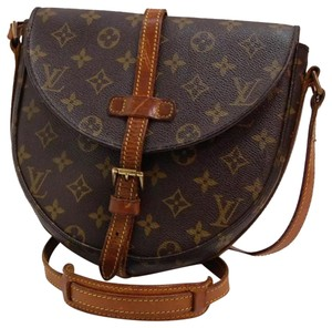 808b85fa906e Louis Vuitton Cross Body Bags - Up to 70% off at Tradesy (Page 21)
