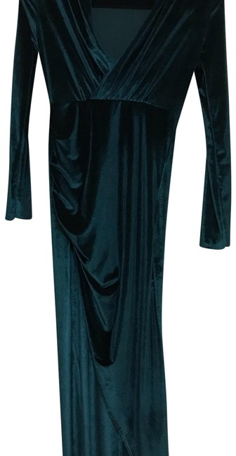 Preload https://img-static.tradesy.com/item/22896694/emerald-green-velvet-long-formal-dress-size-4-s-0-1-650-650.jpg