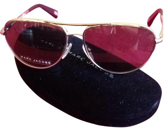Preload https://item1.tradesy.com/images/marc-jacobs-marc-jacobs-aviator-sunglasses-with-case-new-2289695-0-0.jpg?width=440&height=440