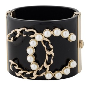 Chanel Authentic Chanel CC Logo Pearl 2017 Chain Resin Cuff Bangle Bracelet