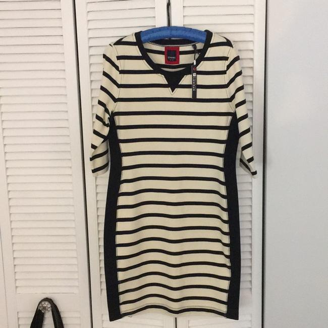Preload https://item2.tradesy.com/images/sperry-ivory-striped-short-casual-dress-size-8-m-22898836-0-0.jpg?width=400&height=650