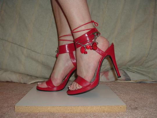 Earnest Sewn Vintage Heel Pin Decoration Red Sandals Image 1