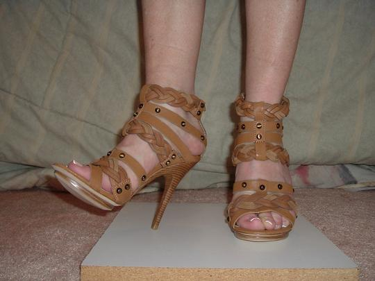 Pelle Moda Leather Sexy Straps Snaps Ankle Hegh Heel Tan Sandals Image 1