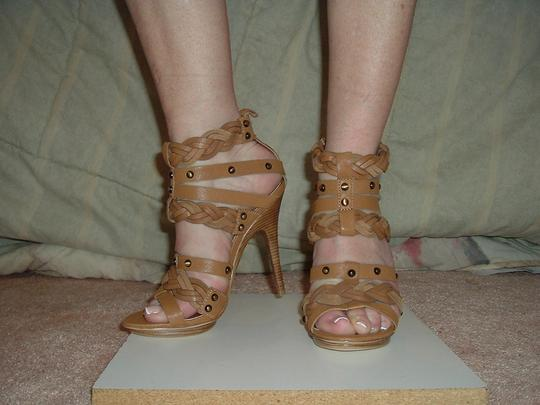 Pelle Moda Leather Sexy Straps Snaps Ankle Hegh Heel Tan Sandals Image 2