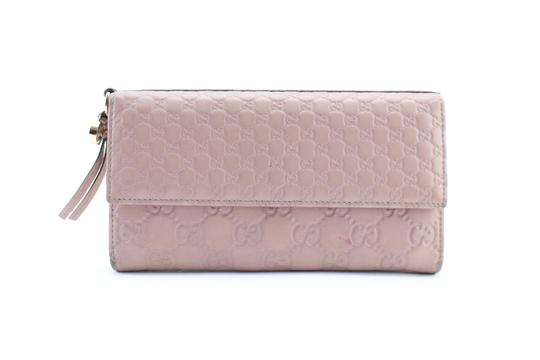 Preload https://img-static.tradesy.com/item/22902305/gucci-microguccissima-wallet-2gr0212-pink-lilac-leather-clutch-0-1-540-540.jpg