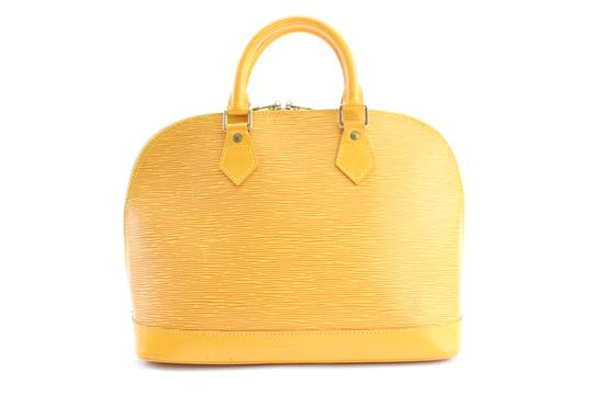 Preload https://img-static.tradesy.com/item/22902330/louis-vuitton-alma-7lr0212-yellow-leather-satchel-0-0-540-540.jpg