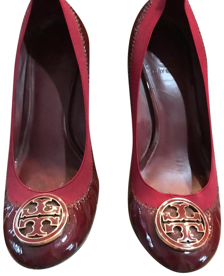 9b7a31f04f0b Tory Burch Maroon Patent Leather Chelsea Wedges Size US 6 Regular (M ...