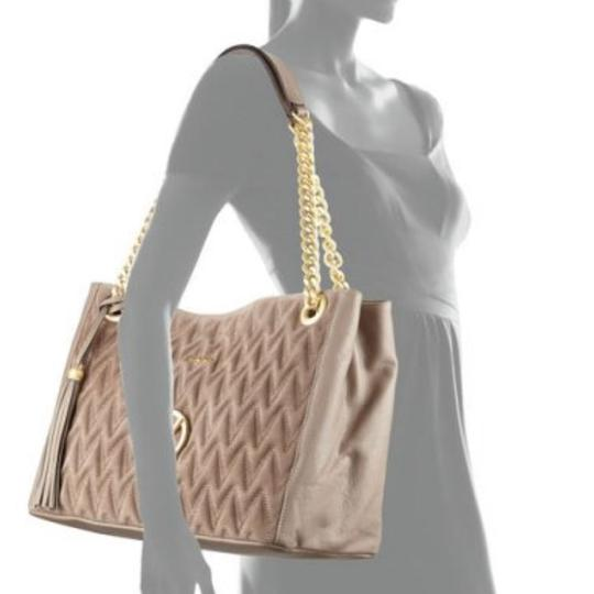 Valentino Leather Large Tote in beige Image 3