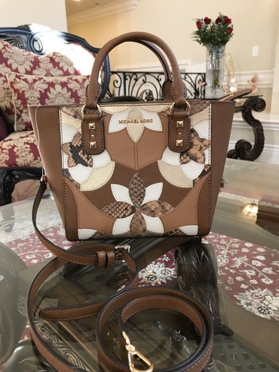 Michael Kors Mk Saffiano Leather Patchwork Spring Mothers Day Satchel in luggage Image 1