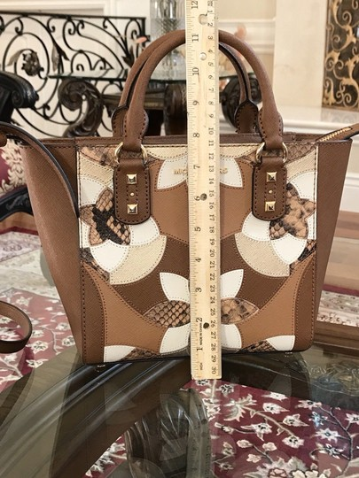 Michael Kors Mk Saffiano Leather Patchwork Spring Mothers Day Satchel in luggage Image 3