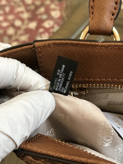 Michael Kors Mk Saffiano Leather Patchwork Spring Mothers Day Satchel in luggage Image 8