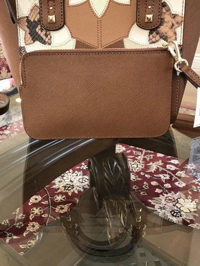 Michael Kors Mk Saffiano Leather Patchwork Spring Mothers Day Satchel in luggage Image 11