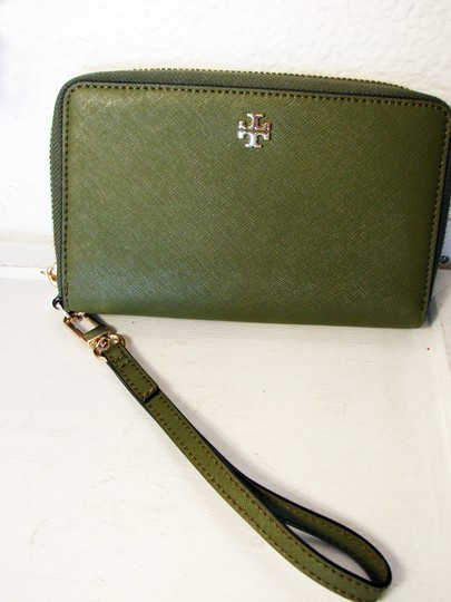 Tory Burch NWT TORY BURCH ROBINSON ZIP AROUND SMARTPHONE WALLET Image 2