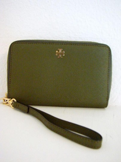 Tory Burch NWT TORY BURCH ROBINSON ZIP AROUND SMARTPHONE WALLET Image 5