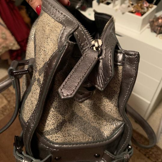Burberry Satchel in silver Grey Image 3