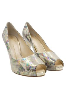 Giuseppe Zanotti Snakeskin Iridescent Peep Toe Party gold Pumps