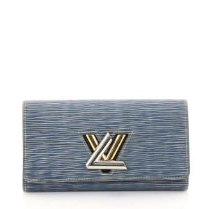 Louis Vuitton Wallet Leather Wristlet in blue