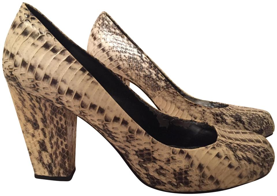 6cf21d592de Vince Camuto Black White Grey Snakeskin Roundtoe Chunky Heel Pumps ...