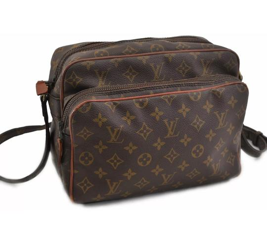 Preload https://item4.tradesy.com/images/louis-vuitton-nile-nil-monogram-canvas-cross-body-bag-22904998-0-14.jpg?width=440&height=440
