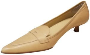 Circa Joan & David Kitten Pointed Toe Preppy Ecru/Beige/Cream Pumps
