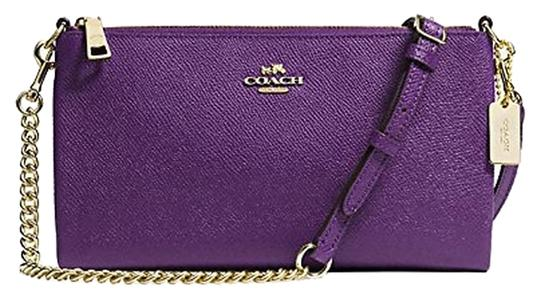 Preload https://item3.tradesy.com/images/coach-simple-sophistication-convertible-clutch-cross-body-bag-2290507-0-0.jpg?width=440&height=440