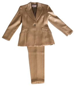Byblos Fran Drescher of The Nanny Wore this suit!