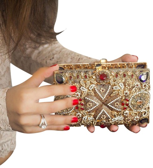 Preload https://img-static.tradesy.com/item/22905295/queen-clutch-wallet-red-and-purple-clutch-0-1-540-540.jpg