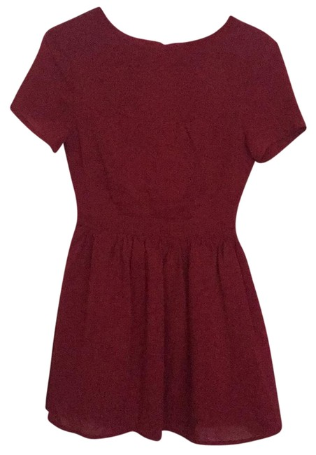 Preload https://img-static.tradesy.com/item/22905330/tobi-burgundy-open-back-sleeve-short-casual-dress-size-4-s-0-1-650-650.jpg